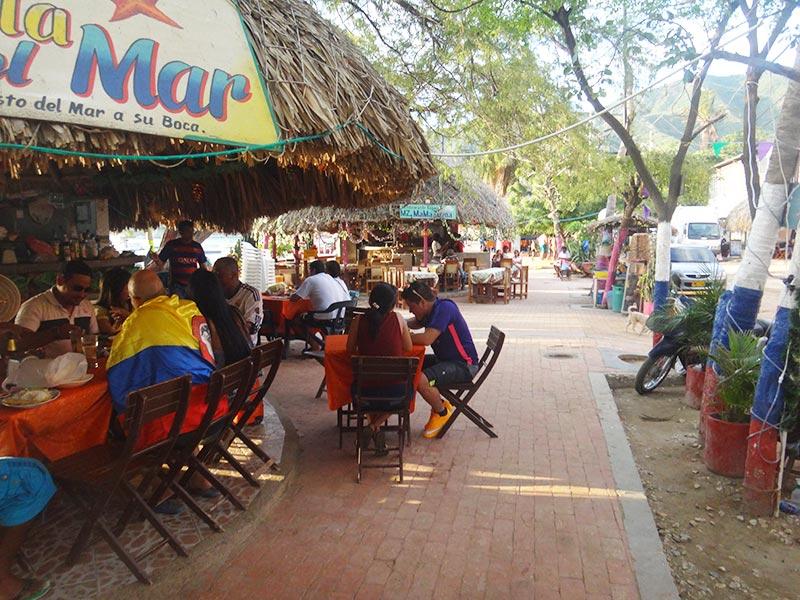 zona comercial en taganga restaurantes